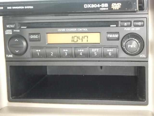 純正CDチューナー!簡単操作で使いやすいです♪