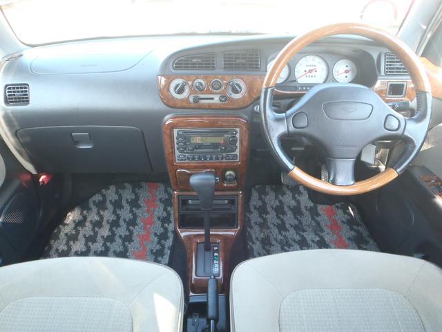 ウッドコンビハンドル・ウッド調パネル・明るいベージュ内装でおしゃれな軽自動車です!