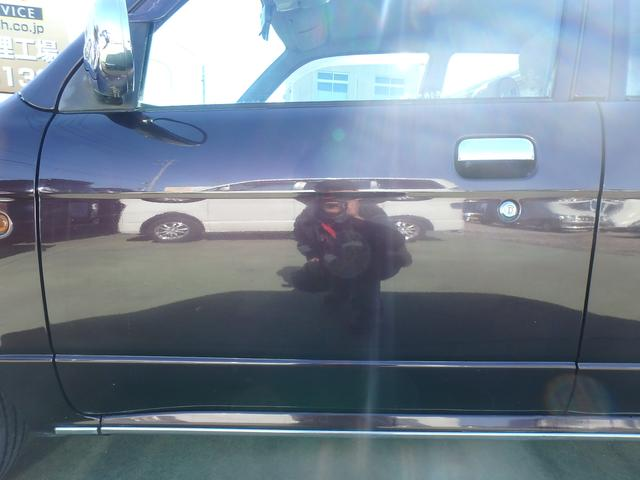 安心の全車保証付き納車です。当店ではまず故障や不具合等が無く安心してお乗り始め頂けるように全車50項目以上の展示前検査と法定点検納車整備を行っていますが、