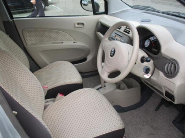 運転席に座った印象なんですが、使いやすい位置にスイッチなどがあったり、前方も見やすくて運転し易そうな印象です♪