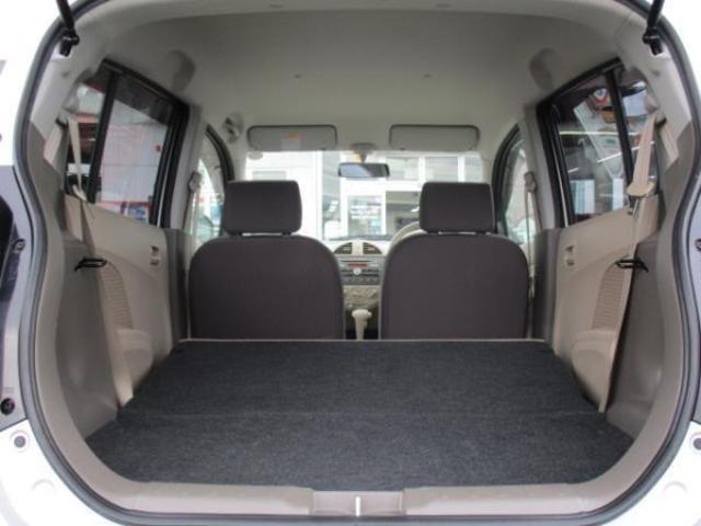 後席シートバックを可倒することにより、このように大きなスペースが生まれます