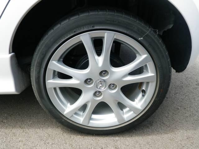 アルミホイールに新品タイヤ4本サービスします!