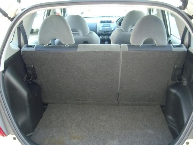 リアシートを倒せばフラットな荷室を確保できます!!お車のことでご不明な点が御座いましたら、お気軽にご連絡下さい。無料ダイヤル☆0066−9708−295502☆お電話心からお待ちしております。
