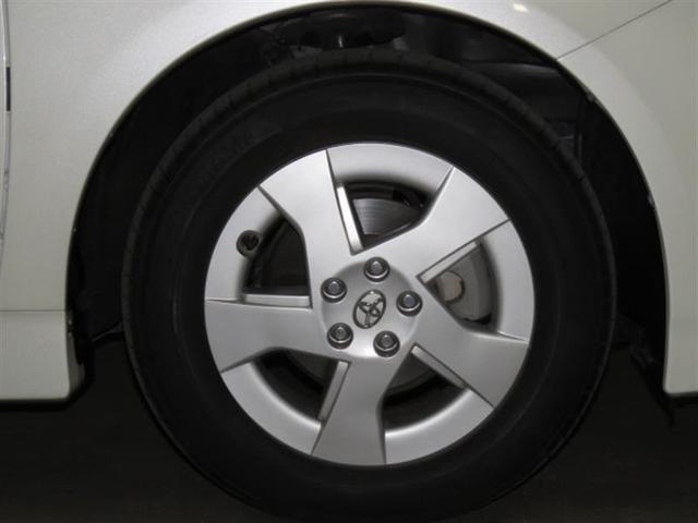 タイヤホイール(前)の画像です。溝はまだございますが気になる方は有料にて新品への交換も承っております。お気軽に、スタッフまでお問い合わせください。