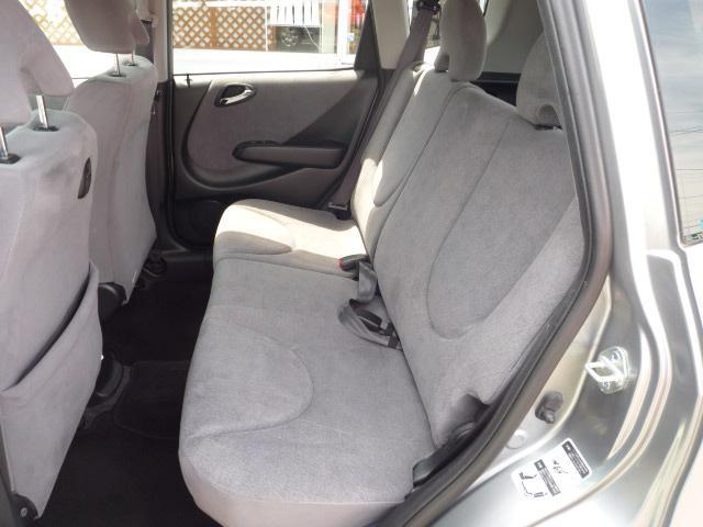 後部座席も足元ゆったり座れますね。☆無料ダイヤルはこちら→ 0066−9704−003203 携帯・PHSからもOK☆