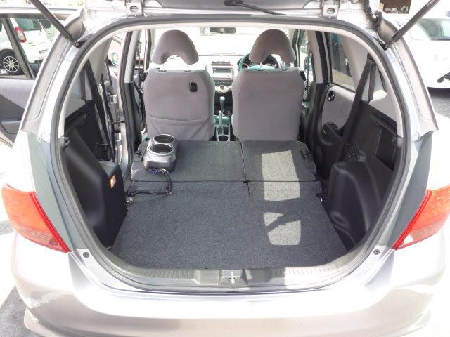 リヤシートをたためば大きな荷物だって入っちゃう。ガッチリ収納。☆無料ダイヤルはこちら→ 0066−9704−003203 携帯・PHSからもOK☆