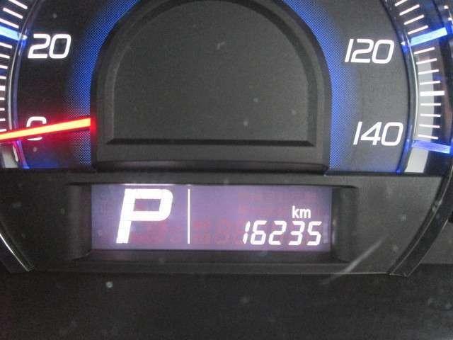 走行距離は1.6万kmとまだまだ長くお乗りいただく事が可能です。