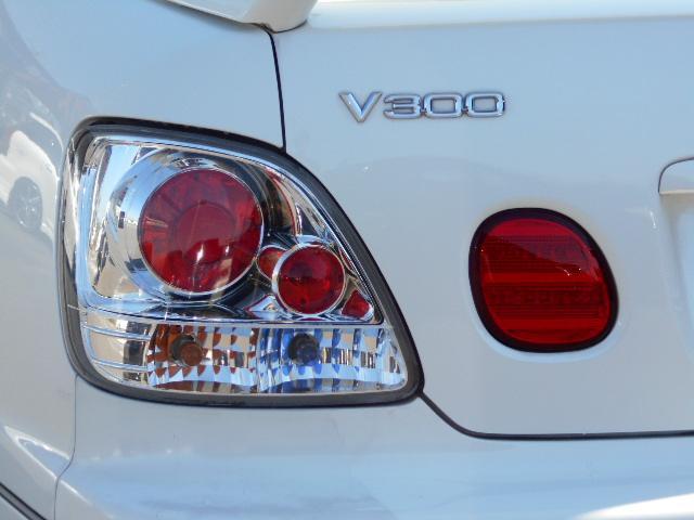 独特の雰囲気を演出する「クリアテール」☆普通の車では物足りないお客様、お勧めのアリストですよ!