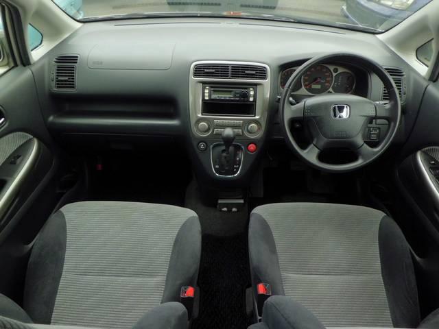 運転席、助手席のどちらにもエアーバックを装備しておりますので安心してお乗り頂けます。ご質問等御座いましたら、お気軽に無料電話の 0800−601−4035 までお電話下さい!!