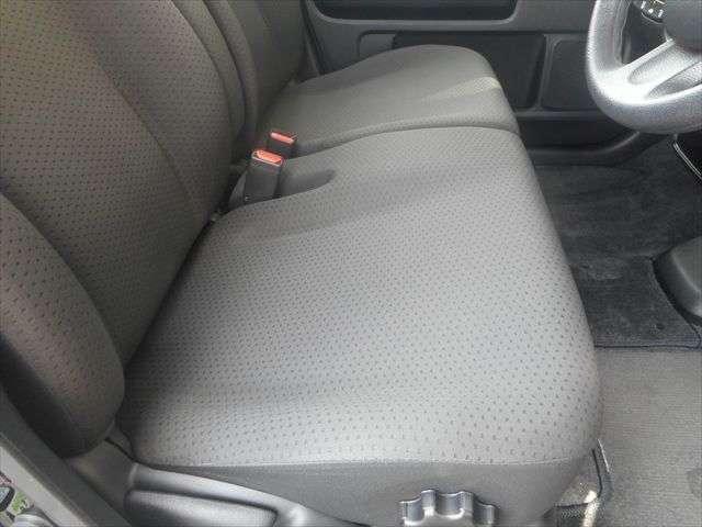 運転席はゆったりとくつろいで頂けます♪