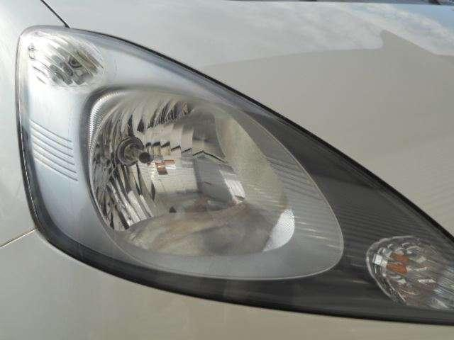 ヘッドライトもキレイですよ!!ディスチャージjヘッドライトですので、暗い夜道も明るく照らしてくれます♪