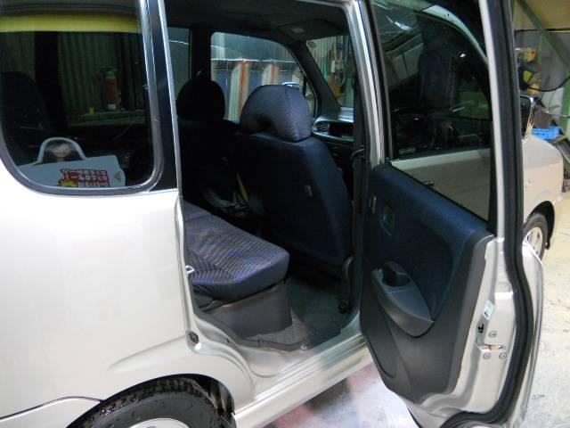 キーレス、純正アルミホイール等装備も充実です室内機器も動作いずれも良好でエアコン、各電装類も正常に機能致します。是非ご来店の上現車ご確認下さい