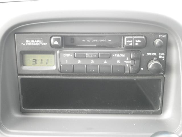 純正カセットオーディオ ラジオ&カセット付きで楽しい室内空間をお過ごしください♪♪運転中のストレスや疲労の軽減につながりますよね!カセット派のお客様!お待たせしました。