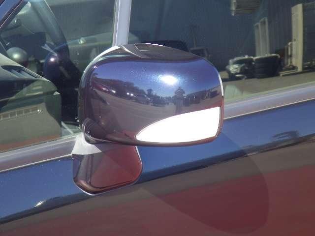 ドレスアップ効果で車をカッコよく魅せるドアミラーウィンカーです周囲からも非常に目立ちます。