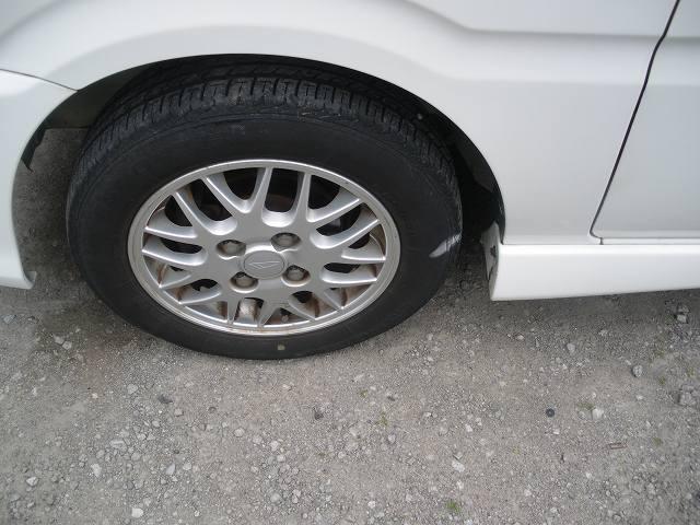 タイヤも純正アルミです!