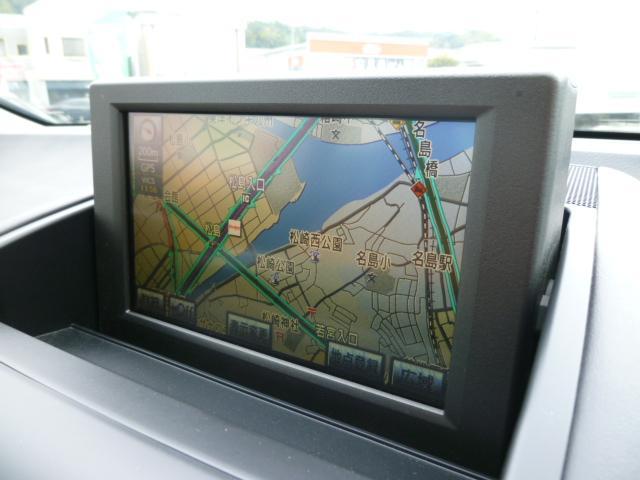 純正HDDマルチナビももちろん装備しています!ナビがあれば知らない道やお出かけの際にも安心です!フルセグTVの視聴も可能です!同乗車の方にもゆったりと移動して頂ける装備が充実しているのも嬉しいですね!