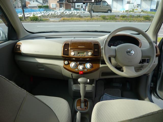 ダッシュパネル廻り☆廻りが見やすく運転しやすいです!