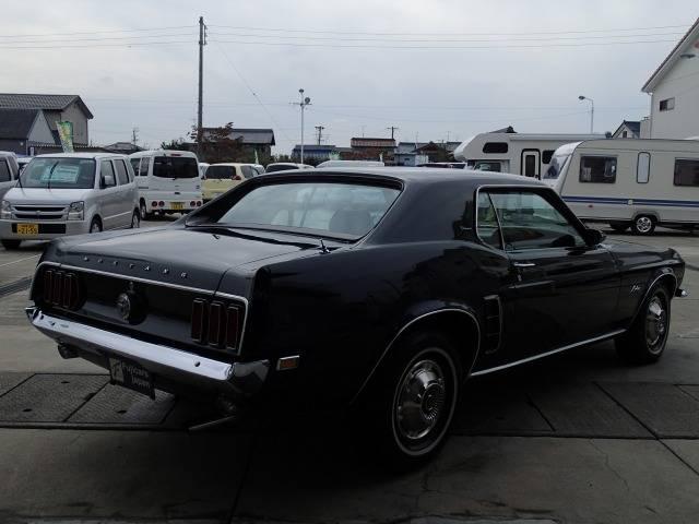 1968年のアメリカの映画に登場するフォード・マスタングGT390のカラーリング「ハイランドグリーン」☆☆☆