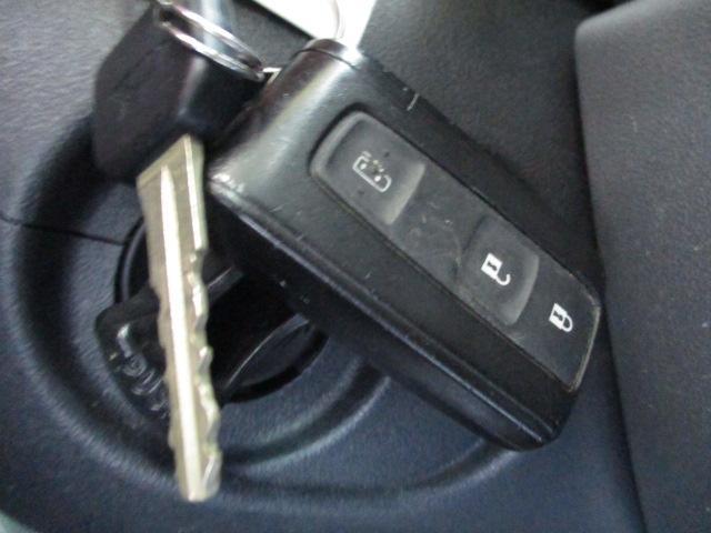 キーフリー&盗難警報装置付です。