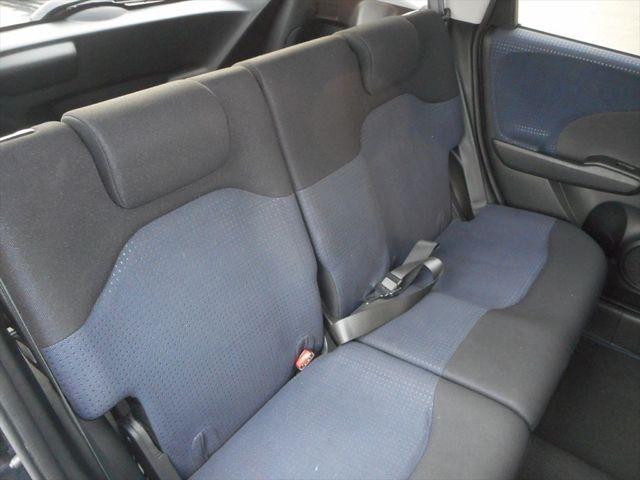 前後のシートともに汚れはございません!