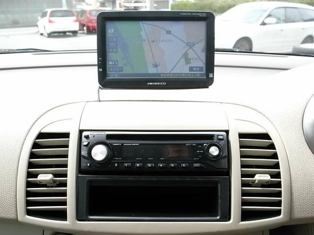 社外メモリーナビTVを装着しておりますっ! ワンセグチューナーも装備しており車内で地デジTVもご覧頂くことができますっ! FMトランスミッターでTVも音も車両のスピーカーから出力可能ですっ!!