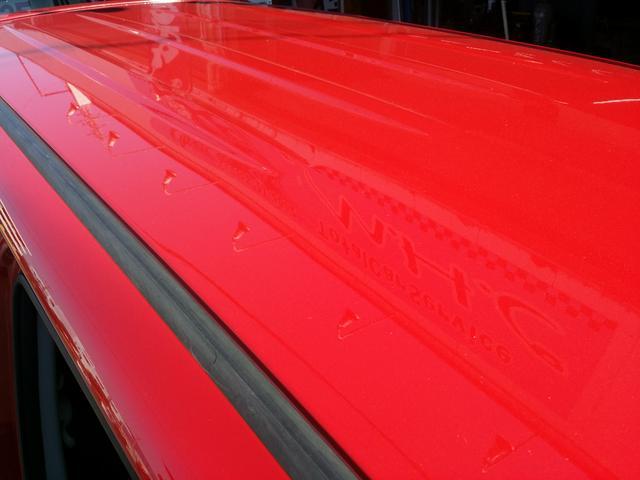 赤と言えば。。。色褪せ!!!この車はほぼ無いと言えます!大事に使われていた車ですね。色褪せたら台無しですからね♪