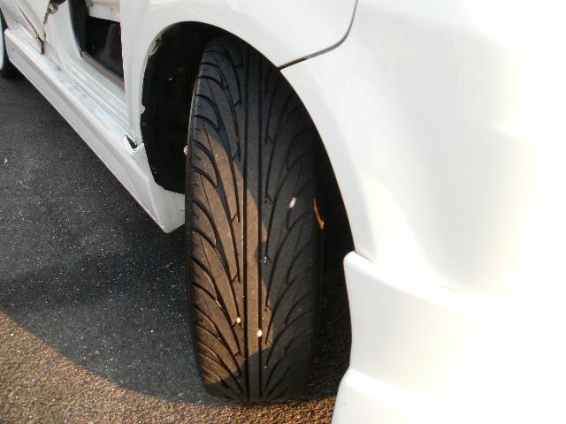 タイヤ残り溝6分山あります◎