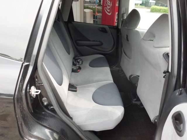後部座席のシート画像になります!!☆無料ダイヤルはこちら→0066−9703−6422携帯・PHSからもOK☆