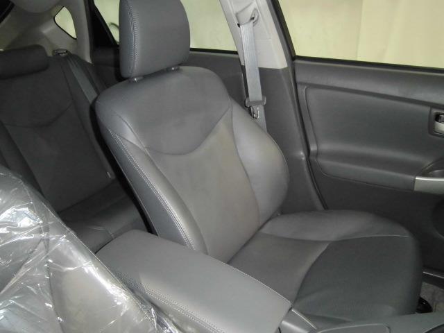 運転席周りは目立った汚れやキズ等もなくとってもキレイです。