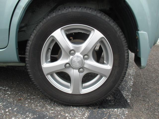 タイヤの溝が少ない場合は新品のタイヤと交換しちゃいます!