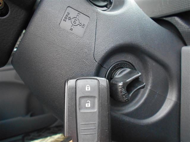 ★スマートキーキーをずっとポケットやカバンの中に入れていてもカギの開け閉めやエンジンの始動もできます!!