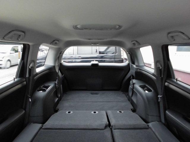 すべてのシートを収納すると広大なスペースが確保できます!!