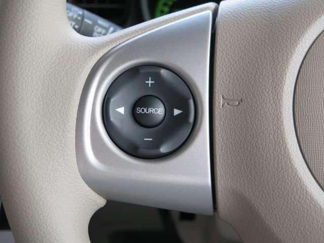 オーディオコントロールは全てハンドル手元で操作可能です。