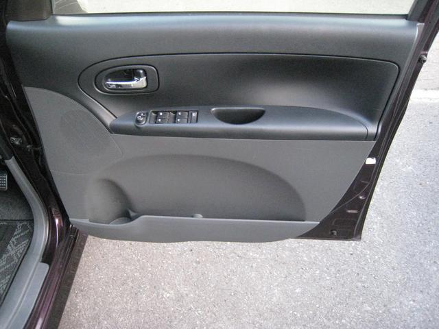 運転席ドアー内側