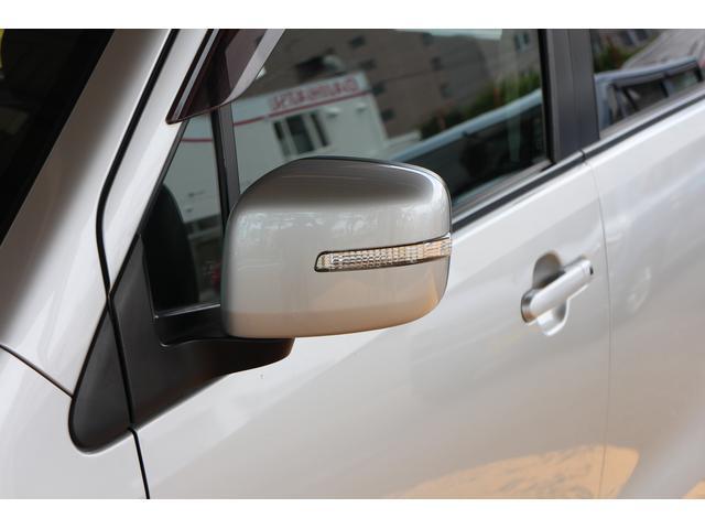 歩行者や対向車から視認性の高いドアミラーウインカー付☆交差点などでの事故リスクを軽減してくれます☆