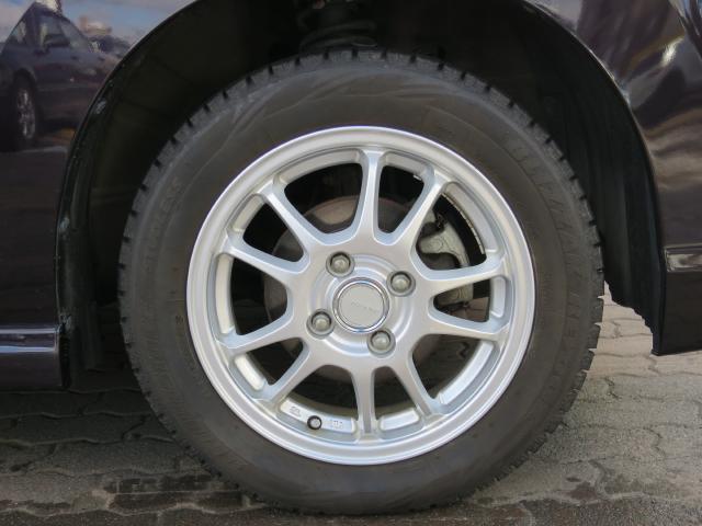 冬タイヤは社外のアルミホイールを履いています。
