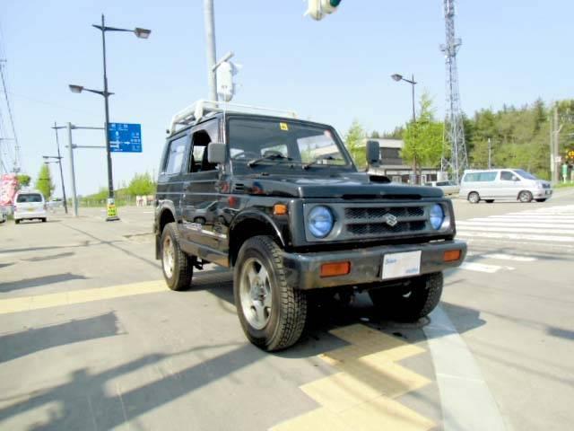 こちらのお車は自社買い取り(下取り)プライス車ですので、陸送費用&板金塗装代金は車両金額に含まれておりません。