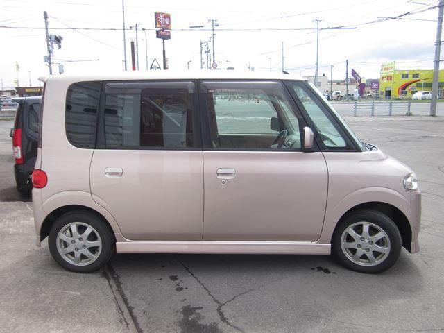 多少下回りに経年劣化程度のサビは見受けられますが、本州仕入れのため北海道のサビ車とはサビ具合が違いますヨ!!