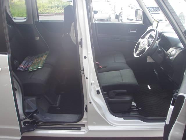 オートエアコン付きです!!お好みの温度に簡単に設定可能です♪常に快適な温度に保ちます!もちろん安全装備も充実しております!ダブルエアバッグ&サイドエアバッグ&ABS付き!ガソリン満タン納車致します!