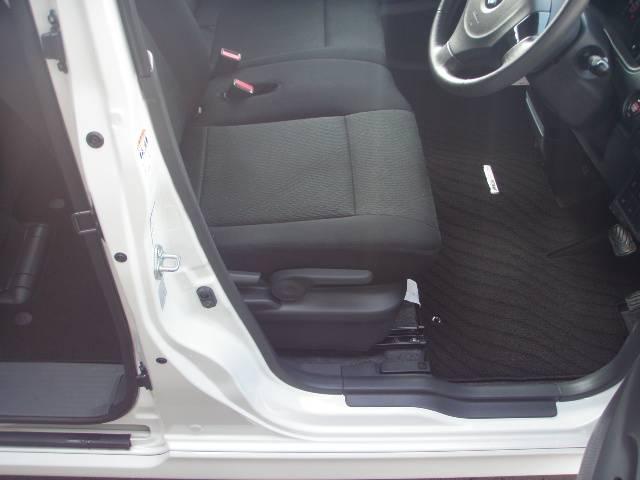 最上級グレード!TS−4WD!インタークーラーターボ!燃費は19.8Km/1リットル!キビキビ走りとても燃費も良いです♪運転席にはシートヒーターが装着♪暖まりも素早くポカポカしてとっても暖かいですよ♪