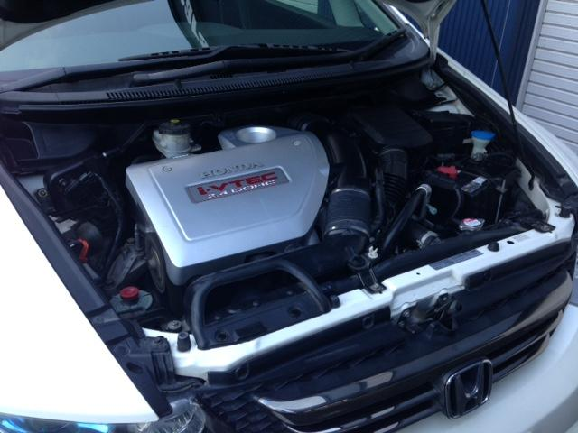 タイミングベルト交換不要のタイミングチェーンが採用されていますッ!パワフルな乗り味ながらカタログ燃費は10.6kmとなっていますッ!