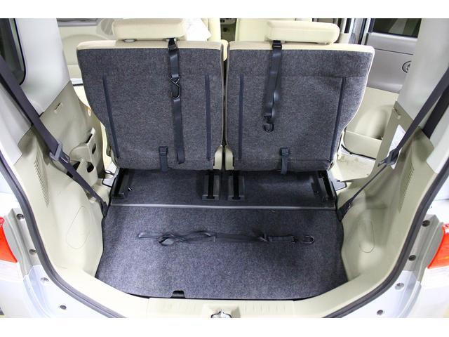 荷室に車いすたたむと収納可能です!!
