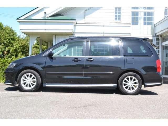 人気色のブラックです。車体がとてもシャープに見えますね。