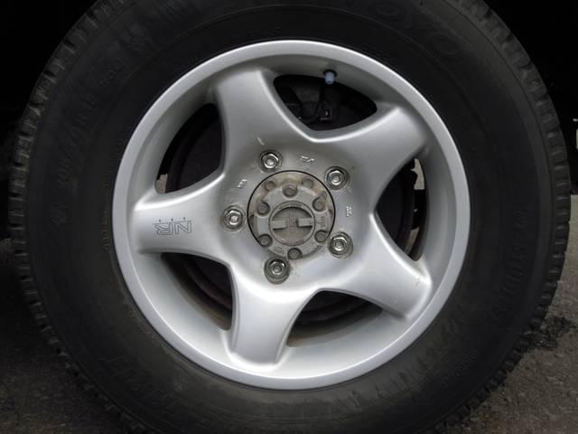 まだまだ走行可能な社外アルミ付きタイヤです!!(^^)