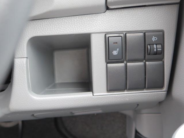 運転席にはシートヒーターが装備!