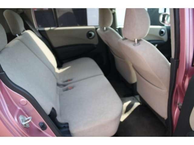 後部座席も十分な広さがあります♪