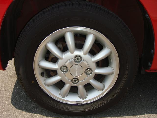 純正13インチアルミホイール付き!タイヤ残り8部山◆スタッドレスタイヤ・アルミホイールなどのご相談もお気軽に!中古のタイヤ・ホイールなどのご紹介もさせていただきます!