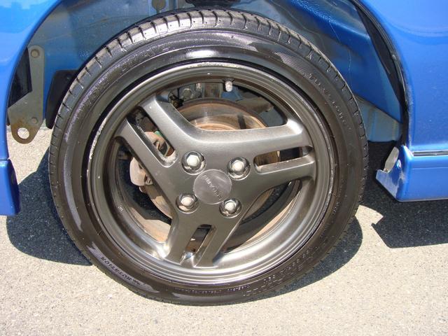 純正アルミホイール付き!タイヤ残り8部山◆スタッドレスタイヤ・アルミホイールなどのご相談もお気軽に!中古のタイヤ・ホイールなどのご紹介もさせていただきます!