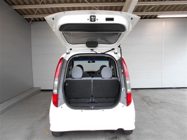 日常でも十分なスペースですが、シートアレンジ次第で更に大きな荷物も収納できます。