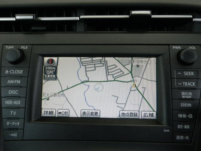 優れたデザイン性と操作性を兼ね備えたメーカー装着HDDナビ!